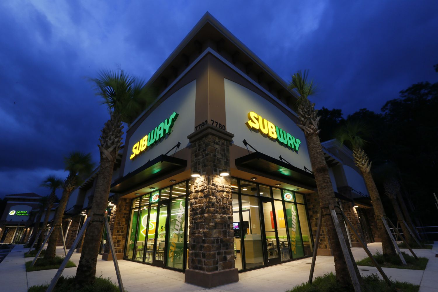 Subway Restaurant exterior view